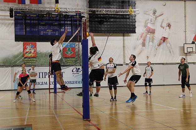 Первенство города Пущино по волейболу среди мужских команд!